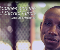 Les missionnaires et l'utilisation des fonds sacrés