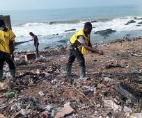 Des saints des derniers jours nettoient des quartiers de Cape Coast