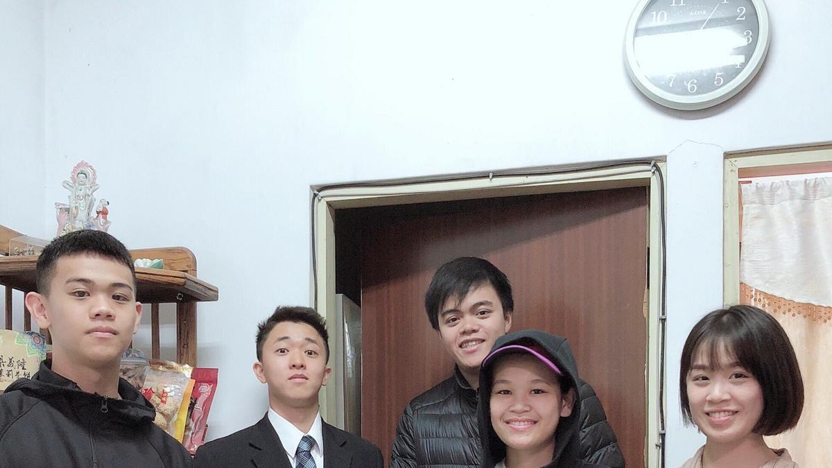 外婆與吳長老的朋友們