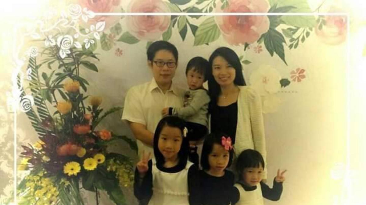 宋甘惠與家人合影