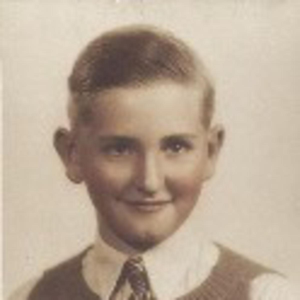 Tommy Monson lúc niên thiếu