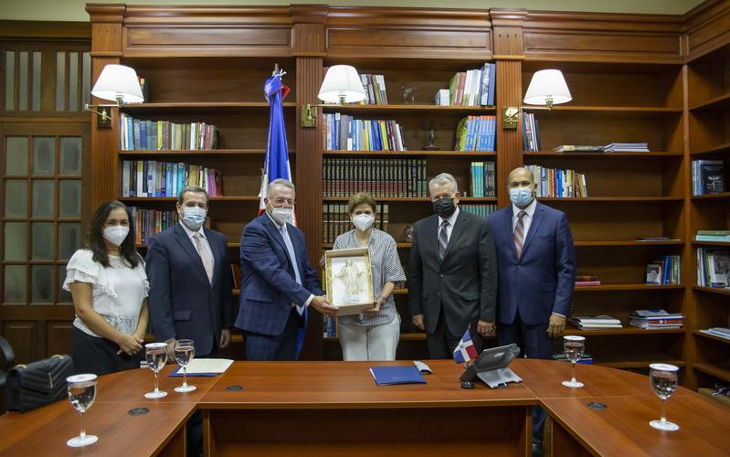 Líderes de la Iglesia se reúnen con la Vicepresidencia de la República Dominicana