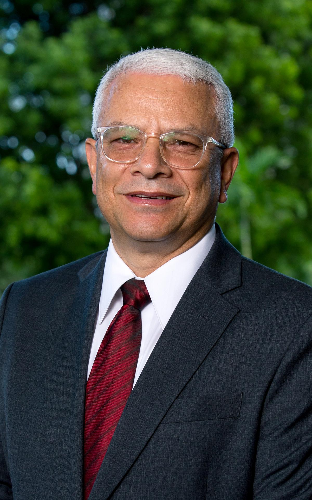Elder Julio E. Lee
