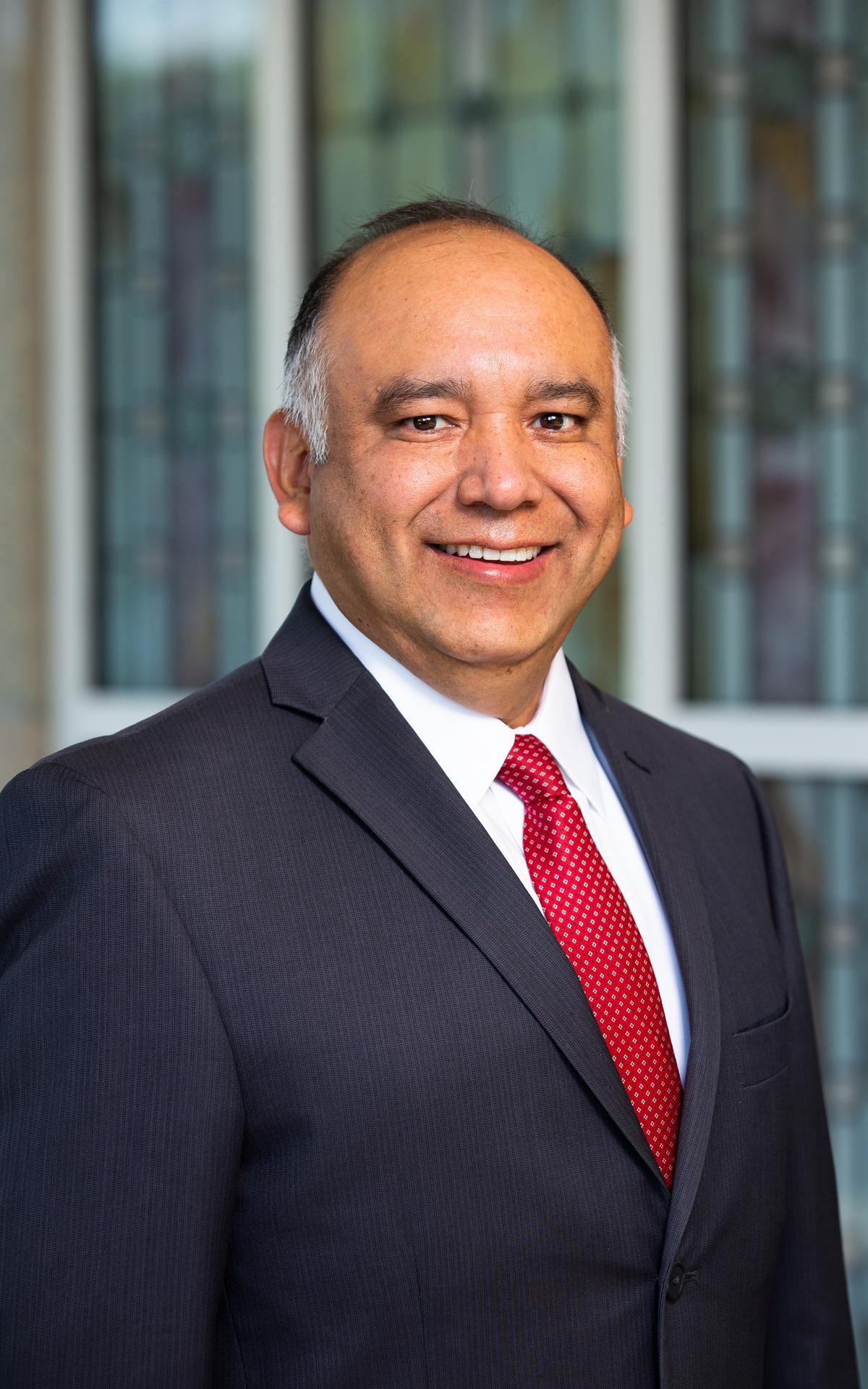 Élder Moisés Villanueva
