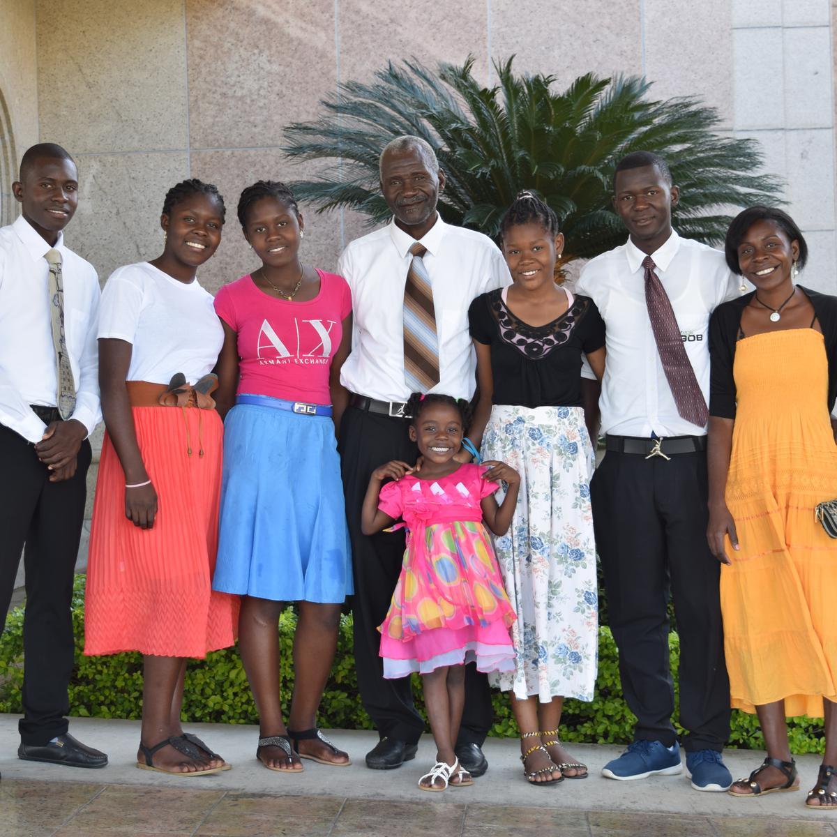 Familia Deriza