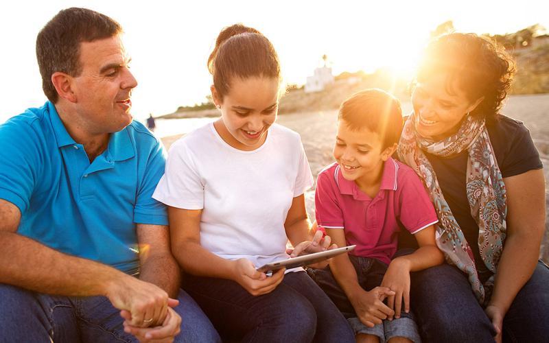 Familia SUD en la playa