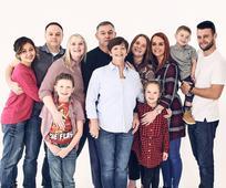 Η οικογένεια της Ντέμπρα