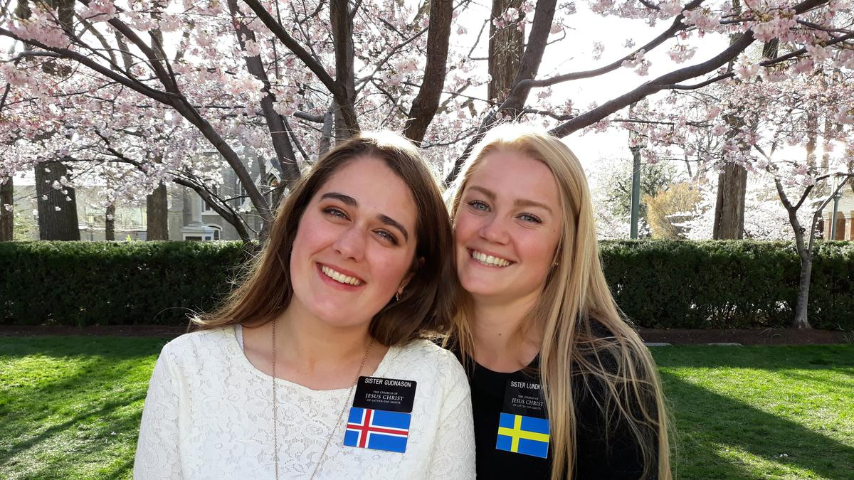 Systir Guðnason með systur Lundkvist.
