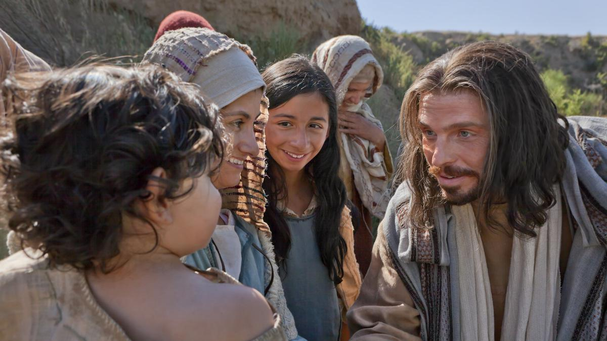 Jesus Christ teaching children