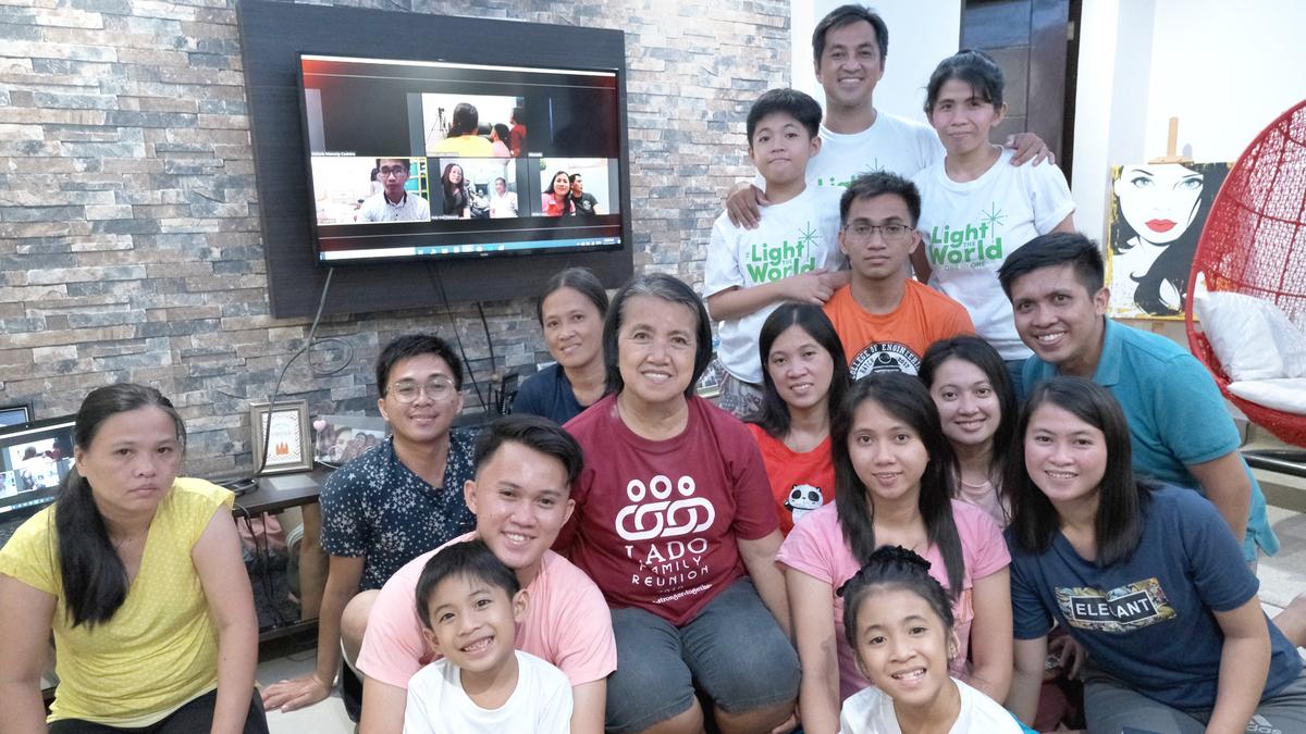 Manosig Family