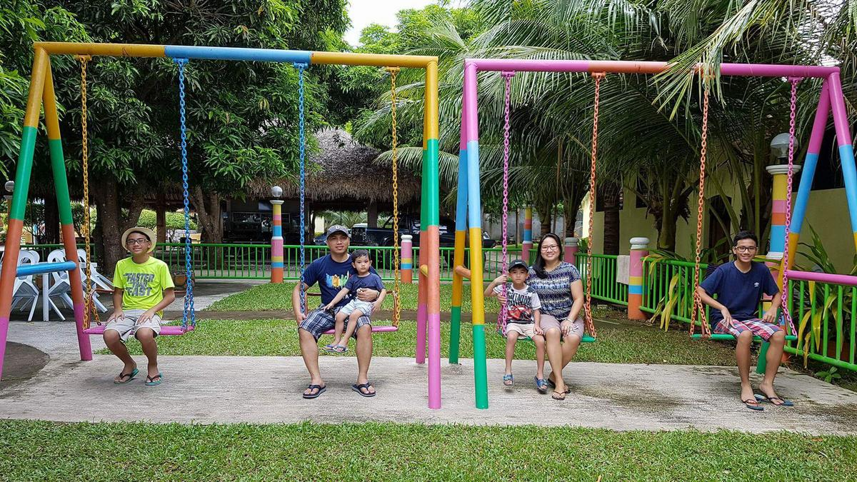 Dumas family in swings