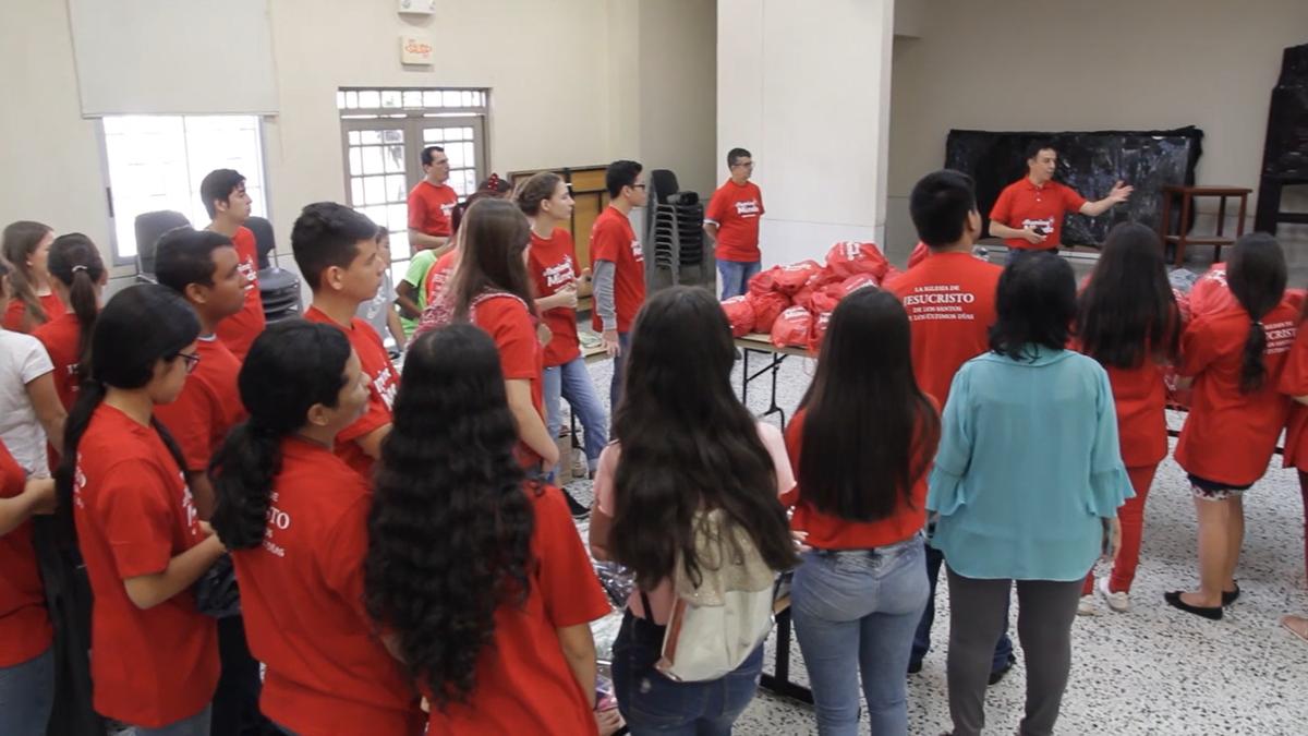 Donacion de kits para niños venezolanos en la frontera Colombia - Venezuela