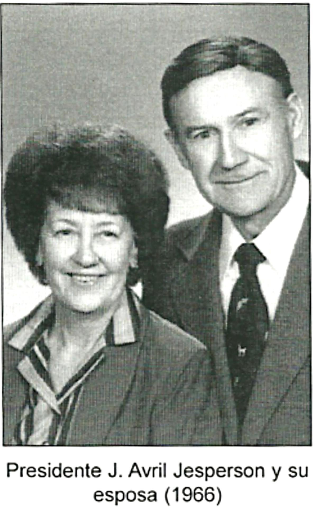 El Presidente J. Arvil Jesperson y su esposa