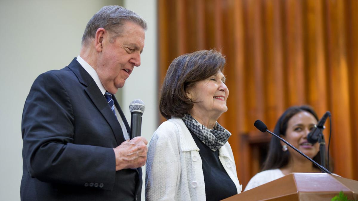 foto del Elder Holland y su esposa