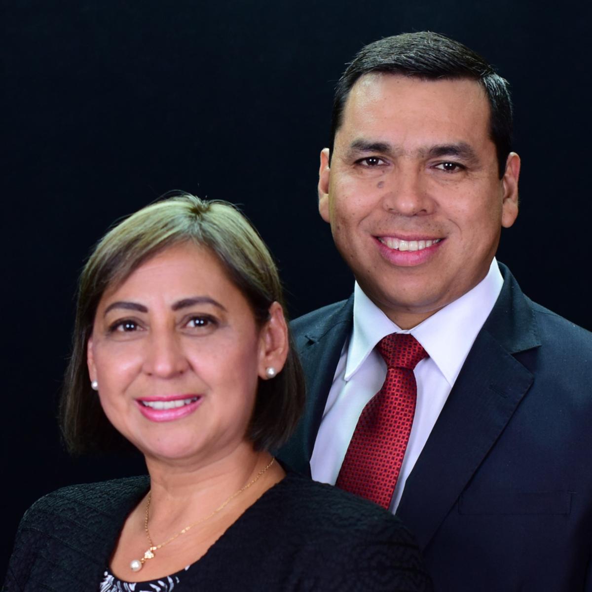 El Presidente Cabrera y su esposa de la Misión Perú Huancayo