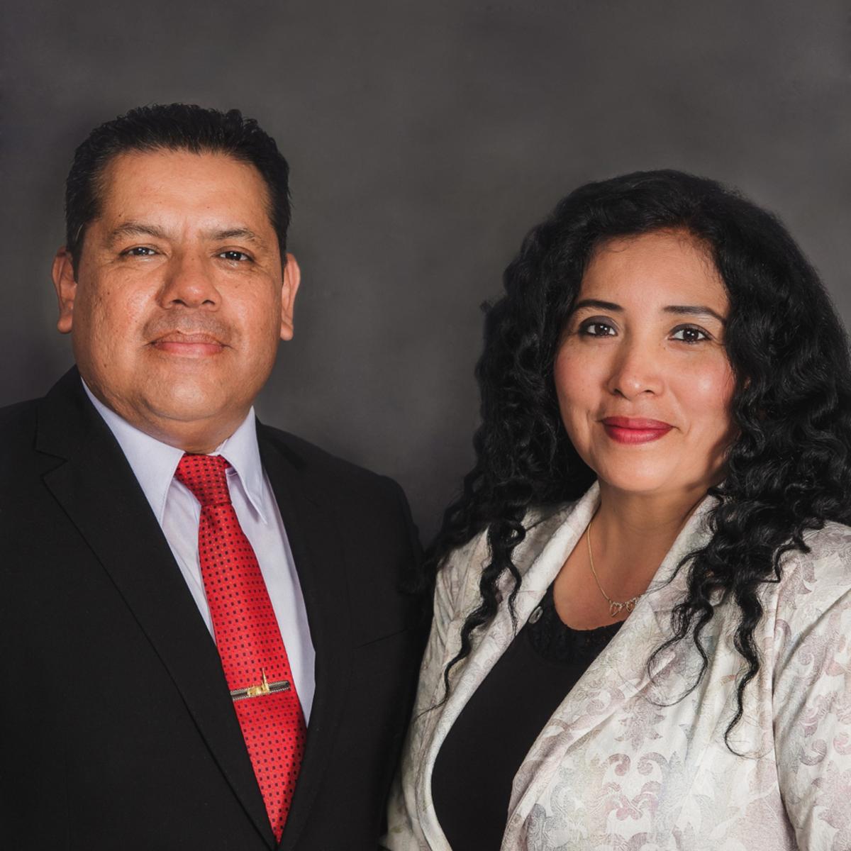 El Presidente Hinostroza y su esposa de la Misión Perú Trujillo Norte
