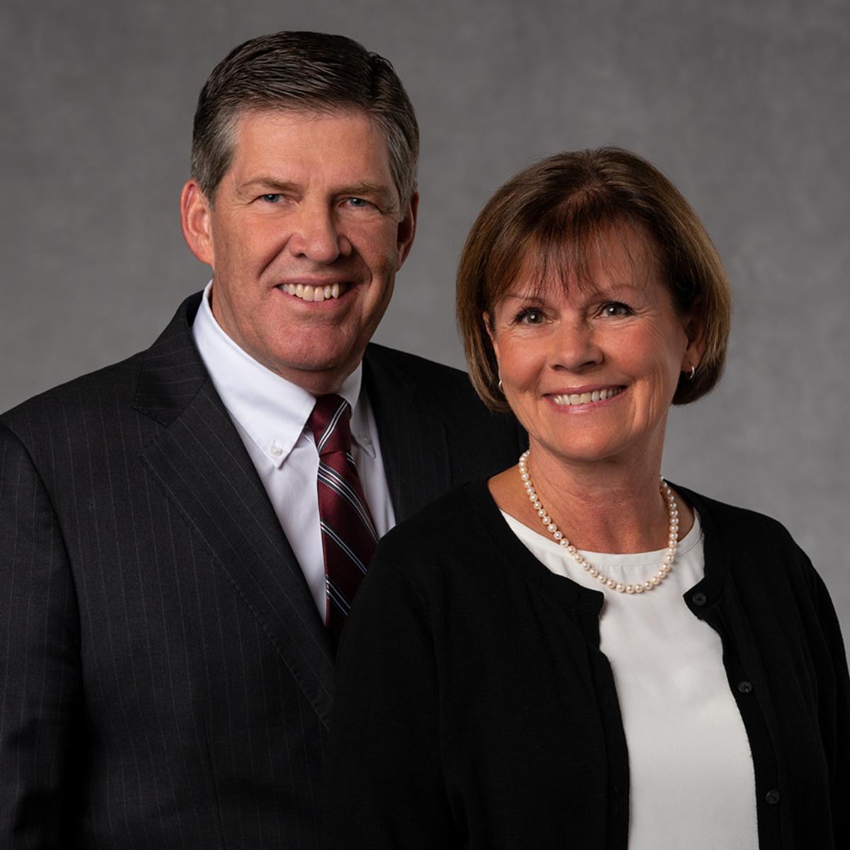 El Presidente Tingey y su esposa de la Misión Guayaquil Sur