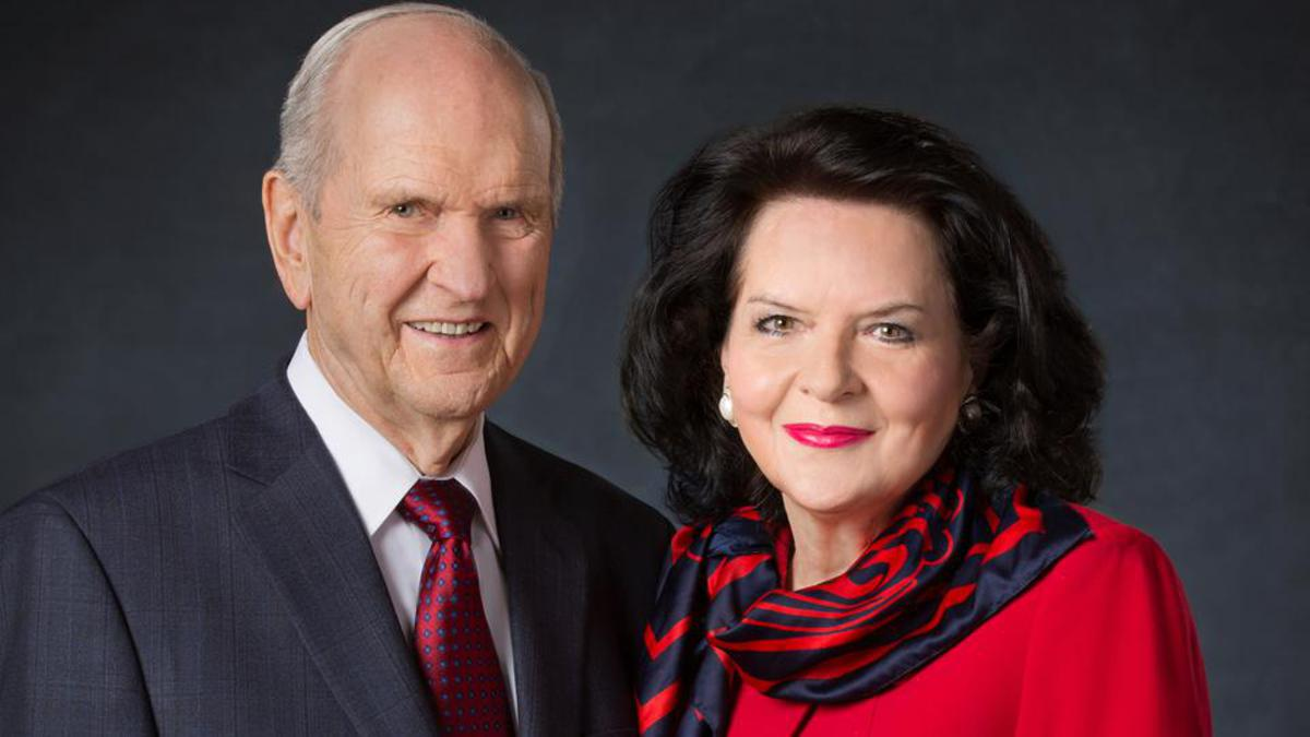 Presidente Nelson y esposa