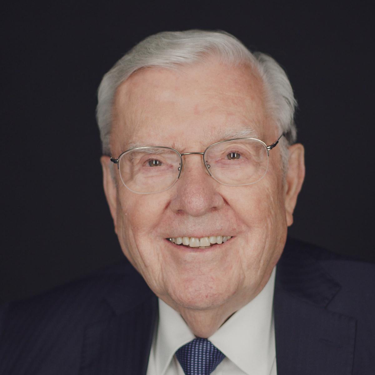 Президент М. Рассел Баллард