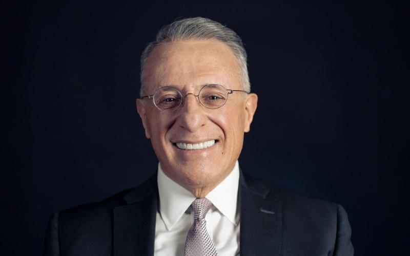 Старійшина Уліссес Соарес