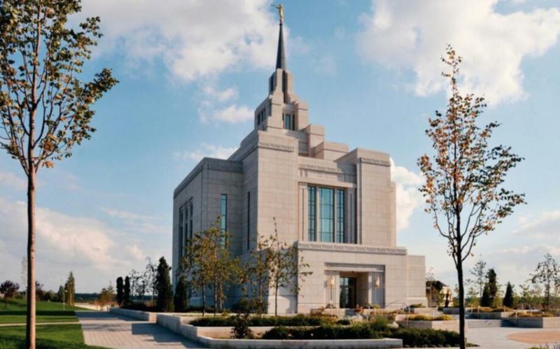 Київський храм переходить до функціонування у третій фазі карантинних обмежень