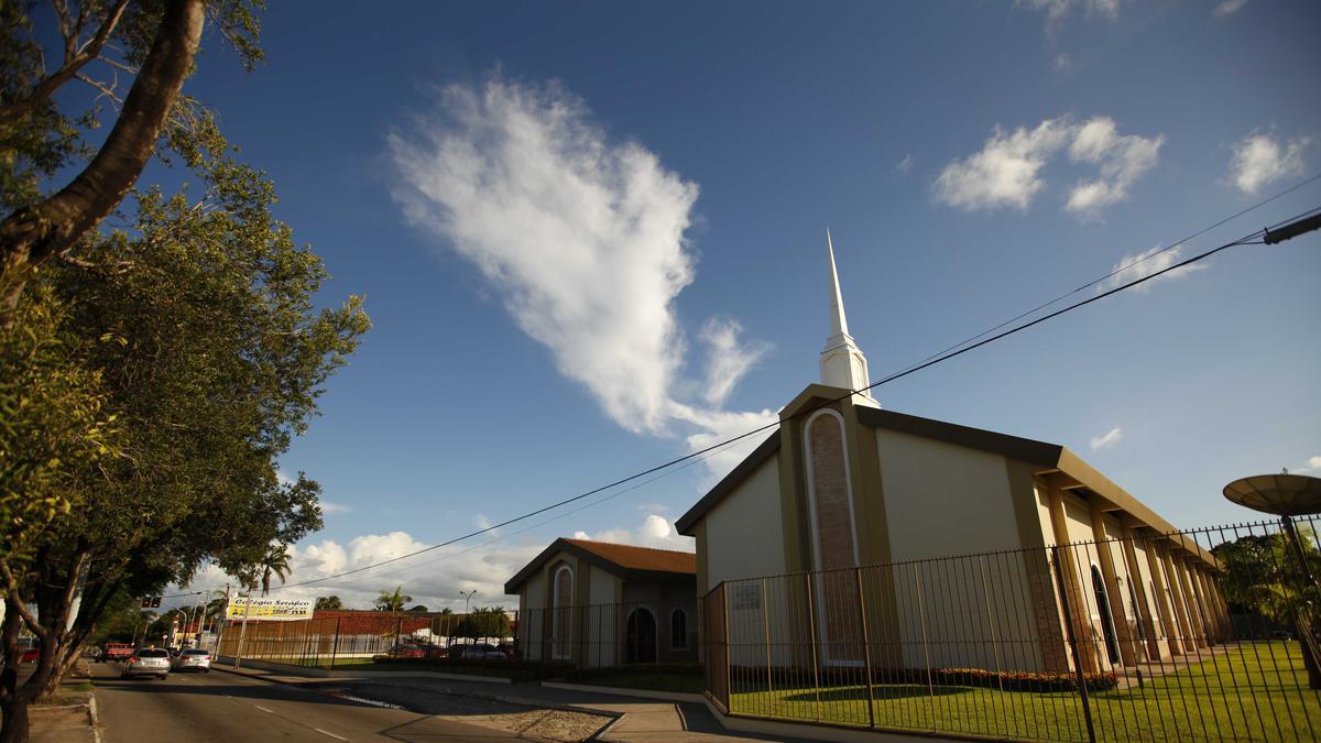 Primeira Presidência suspende as reuniões da Igreja em todo o mundo