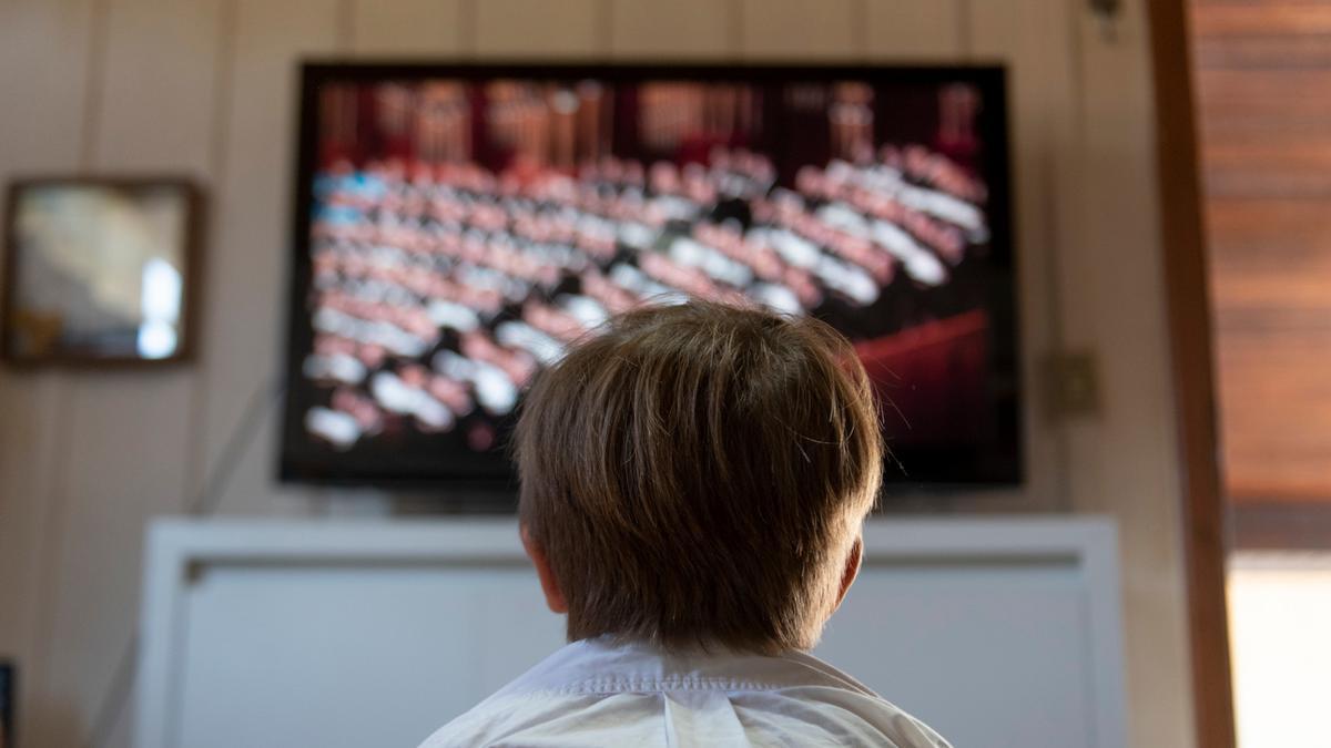 Saiba o número do canal que transmite a RedeTV em sua reunião