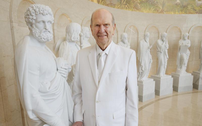 Presidente Nelson durante inauguração do templo de Roma