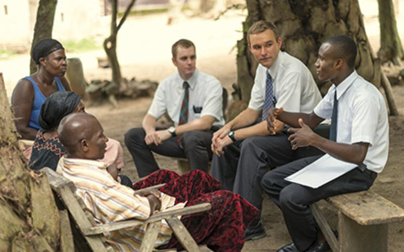 mormon-missionaries-teaching-ghana_1264621_inl