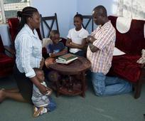 ghana-familly-praying-318640-gallery.jpg