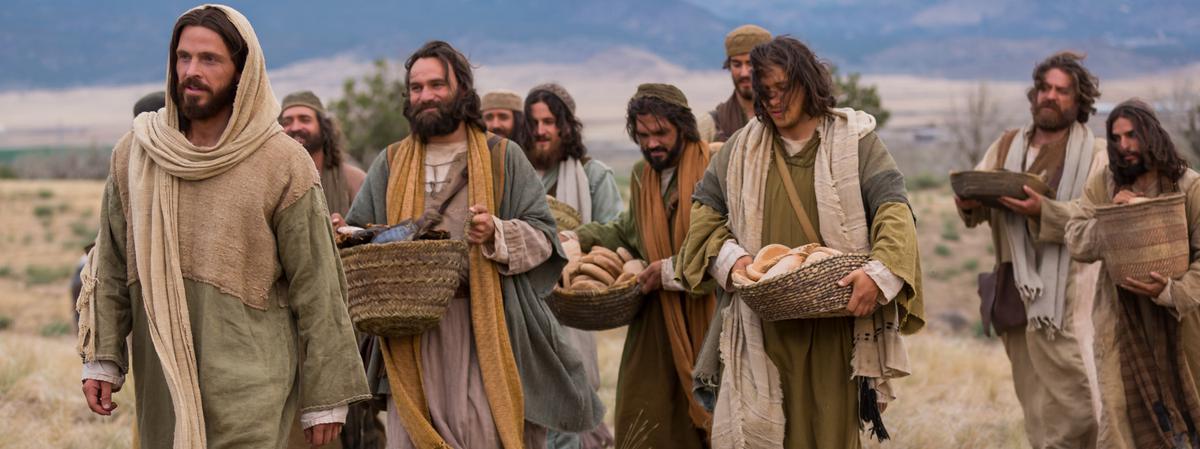 Jesucristo caminando con sus discípulos