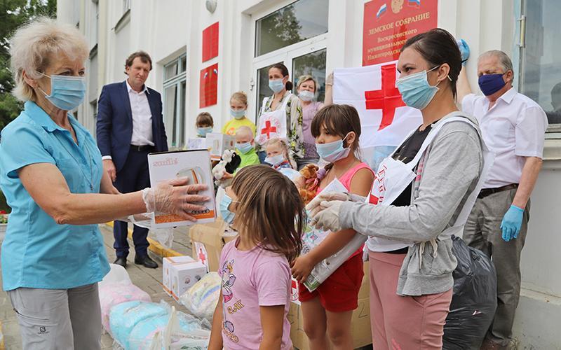Церковь и Красный Крест оказывают помощь нуждающимся в Нижегородской области