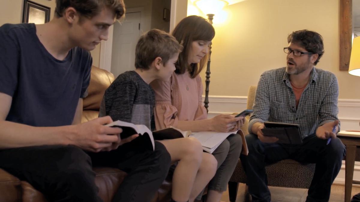 Дом – это центр изучения Евангелия (семья Кристенсен)