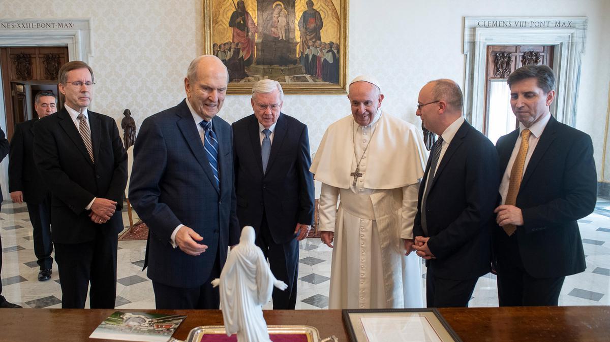 Profeet op audiëntie bij paus Franciscus in het Vaticaan