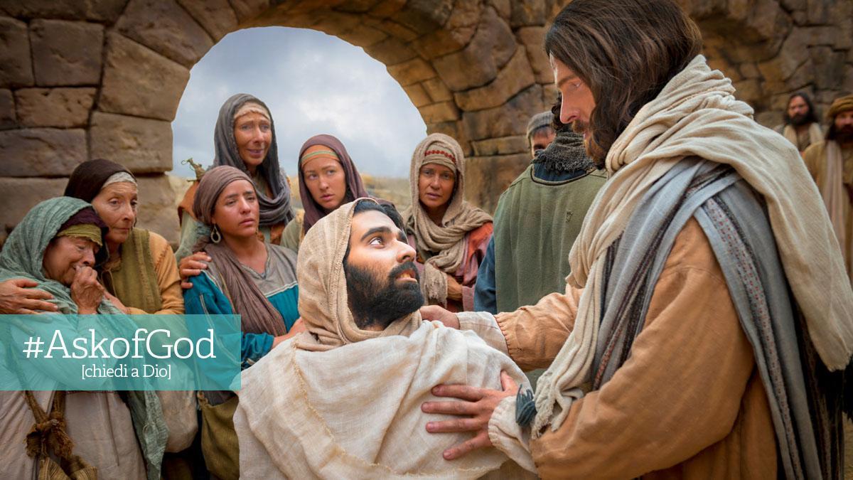 Gesù Cristo benedice uomo tra la folla