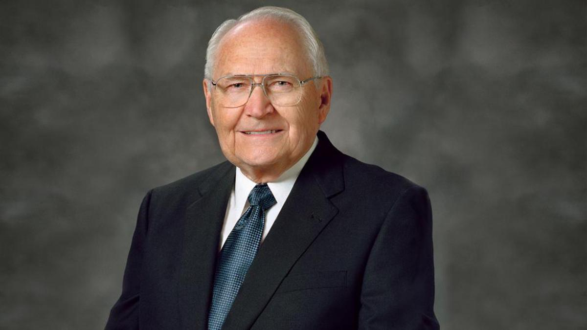 Elder L. Tom Perry of the Quorum of the Twelve Apostles