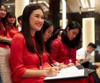 Vị Tiên Tri Thực Hiện Chuyến Thăm Đầu Tiên đến Việt Nam