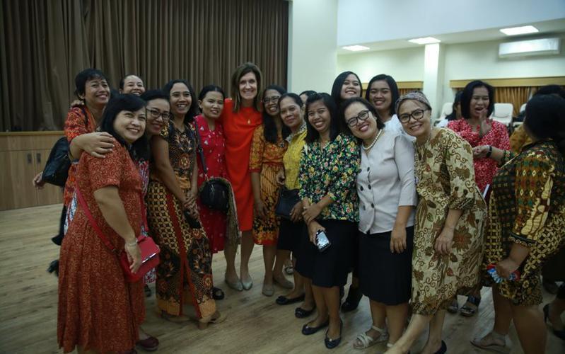 Kunjungan Sister Michelle D. Craig ke Indonesia