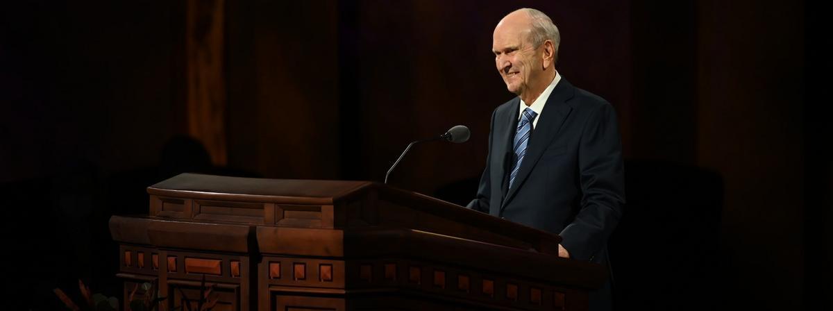 Chủ Tịch Nelson Ngỏ Lời tại Đại Hội Trung Ương tháng Mười:  Hãy Để cho Thượng Đế Ngự Trị, Đón Nhận Tương Lai, Sống trong 'một Tình Trạng Bình Thường Mới'