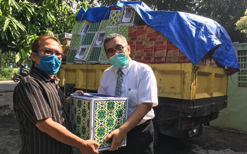 Gereja Berpartisipasi dalam Menyalurkan Bantuan Sembako bagi Guru Pendidikan Agama Kristen dan Pengurus Gereja-Gereja di Bekasi