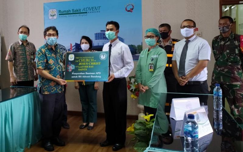 LDSC Menyalurkan Bantuan Alat Pelindung Diri (APD) untuk Rumah Sakit Advent Bandung