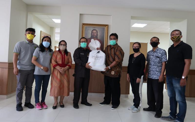 Penyaluran Bantuan Sembako COVID-19 oleh Gereja di Surakarta