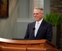 Anh Cả Soares Khuyến Khích Dành Sự Tôn Trọng và Yêu Thương cho Những Ai Trái Ý Kiến với Chúng Ta