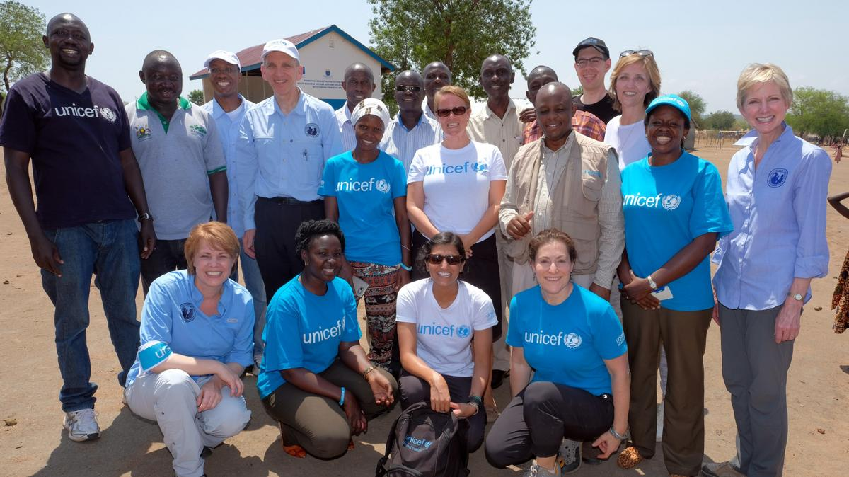 In early 2017, Church leaders and UNICEF officials visited people in the Bidi Bidi Refugee Settlement in Uganda. At that time, this settlement was home to more than 250,000 people, as well as schools and surrounding communities.