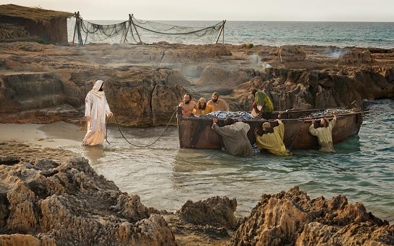 Jesucristo en la orilla del mar con sus apóstoles