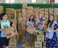 響應先知號召教會施助華夏公益協會裝箱活動