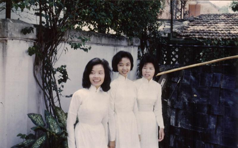 1966-First-Vietnamese-members-at-their-baptism.jpg