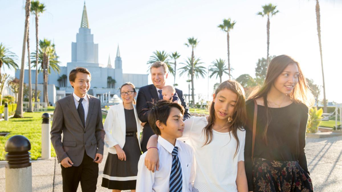 Genealogia e História da Família, familia Santos dos Últimos dias no templo