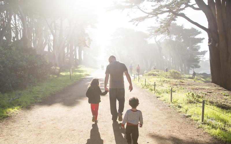 O dom do arbítrio significa que cada pessoa é livre para escolher o caminho que seguirá na vida.