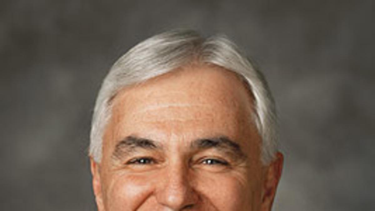 Élder Claudio R. M. Costa